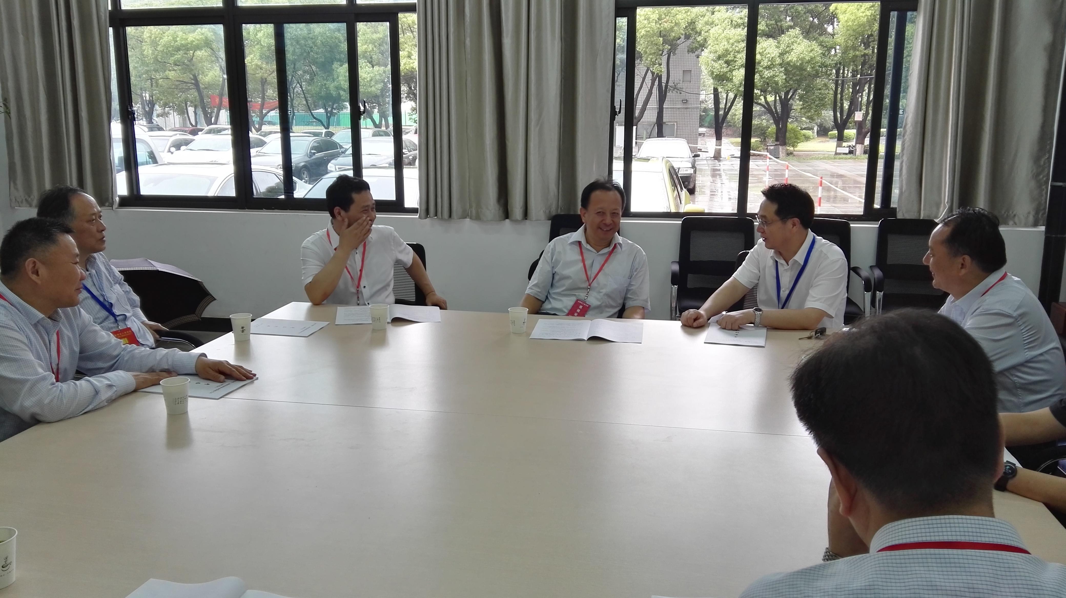 国家人社部人事考试中心主任吴剑英到校检查指导二建考试工作